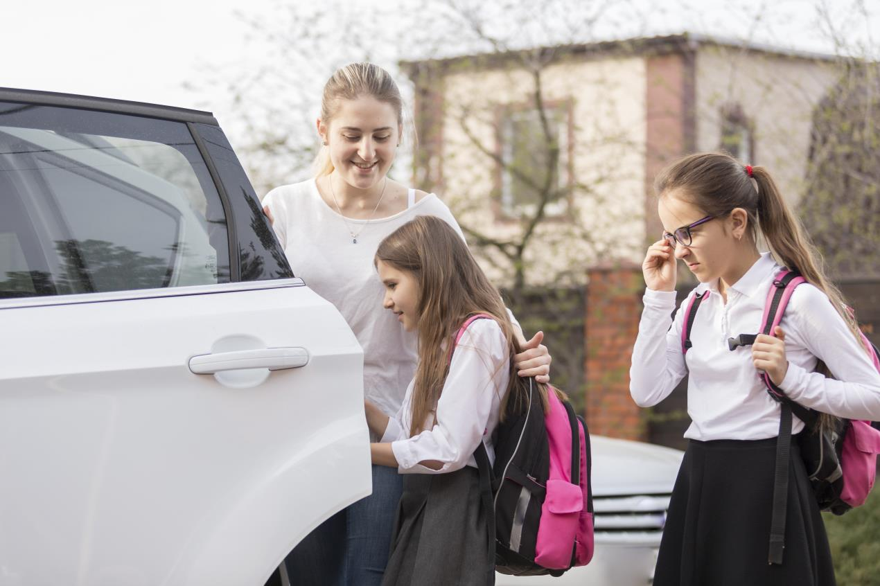 4 Tips to Keeping your kids safe on the way to and from school